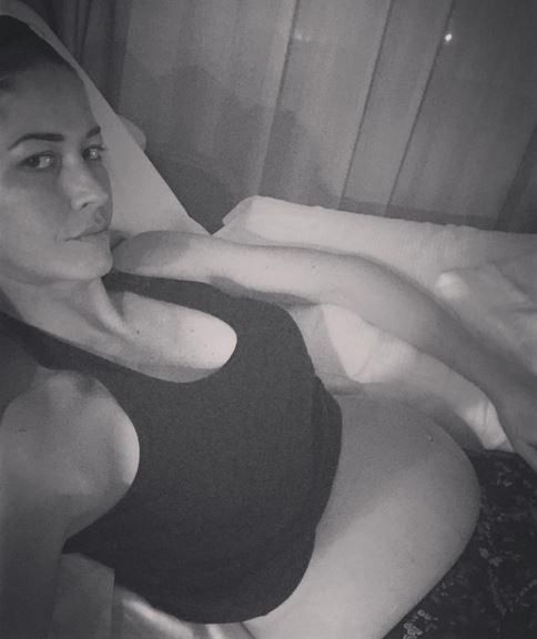 """Elena Santarelli dopo parto: """"Vorrei rincuorare le mamme che..."""""""