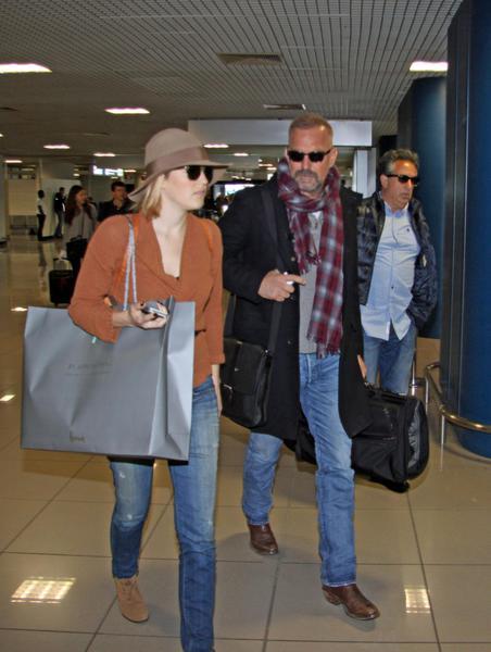 Kevin Costner, chi è la moglie dell'attore FOTO VIDEO