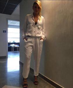 Emma Marrone, tutina bianca e sandali ad Amici 2016 FOTO