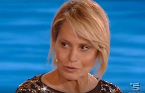 Isola, Simona Ventura contro Signorini: lacrime in studio VIDEO