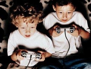 Mal di testa, vita sedentaria espone al rischio anche i bambini