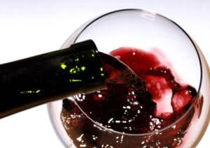 Cancro, anche un bicchiere di vino aumenta rischio per 7 tumori