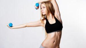Sollevamento pesi, per fare i muscoli bastano pochi chili