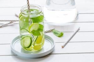 Acque e tisane detox: come prepararle. 3 ricette