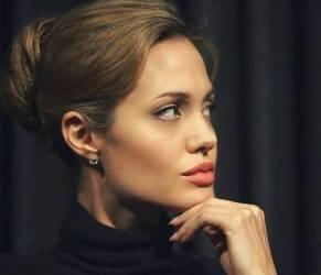 Angelina Jolie, parla ancora il padre John: ecco cosa ha detto
