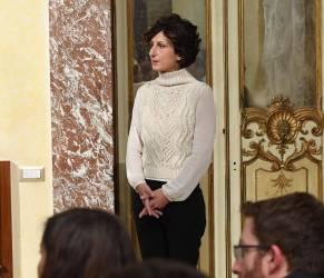 Agnese Renzi, maglione bianco e pantaloni neri a Palazzo Chigi