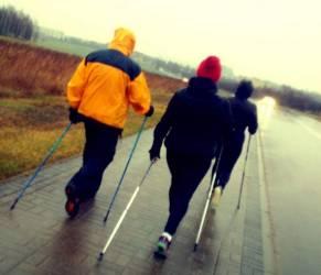 Nordic Walking fa dimagrire? In linea camminando