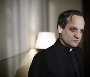 Francesco Il Papa della gente: chi è l'attore protagonista FOTO
