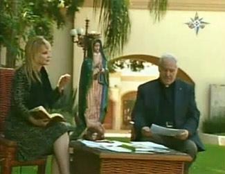 Kimberly Kramar y Padre Albino Navarro