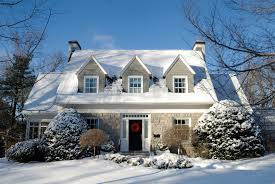 9 TIPS FOR SELLING YOUR HOUSE IN WINTER