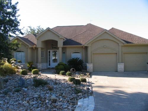 Showy Lake Travis Lookout Ii Front Austin Tx 78758 Houses Rent Austin Tx 78747 Rent House1 1060x795 Houses
