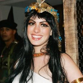 Anne Hathaway de Cleópatra