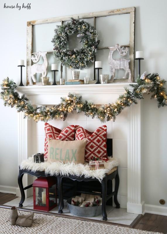 DIY Christmas Mantel and Decor Ideas - landeelu - christmas mantel decor