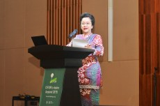 Indonesian Development Minister to CIFOR: Let's work together