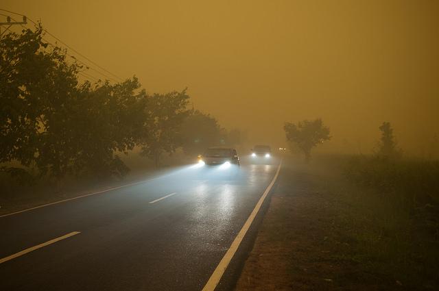 Thick smoke outside Palangka Raya, Central Kalimantan. Aulia Erlangga / CIFOR.