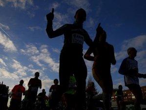 Dos corredores mueren en medio maratón en China
