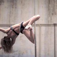 Poledance-Akrobatik