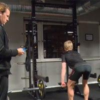 Leute im Fitnessstudio live vertonen