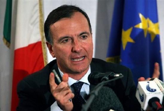 Franco Frattini Ministro degli Esteri Guerra Libia