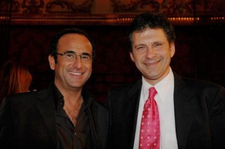 Foto dei conduttori Fabrizio Frizzi e Carlo Conti