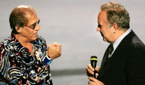 Una foto di Adriano Celentano insieme a Michele Santoro