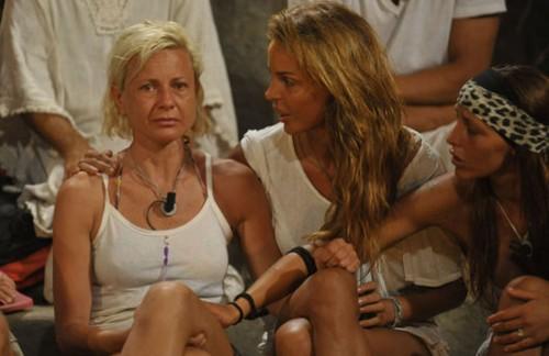 Isola dei famosi choc: Antonella Elia spara a zero su Casella e Bertolani