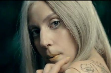 Lady Gaga senza trucco