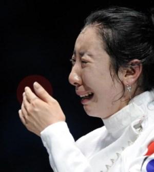 foto-atleta-scherma-piange