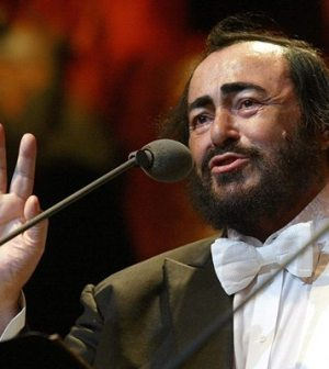 foto tenore luciano pavarotti
