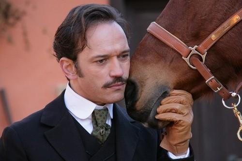 Vincent Perez è Cesare Mori