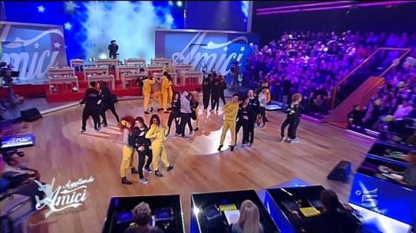 Foto concorrenti Amici 12 che ballano e cantano
