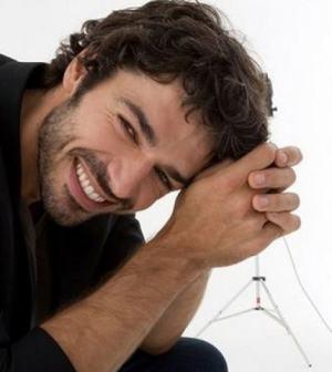 Luca Argentero: battuta al vetriolo su Monica Bellucci