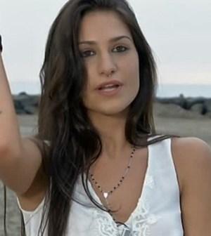 Ludovica Valli nervosa sui social: c'entra Fabio?