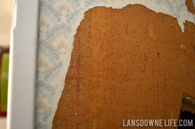 Stairway makeover: Removing the wallpaper - Lansdowne Life
