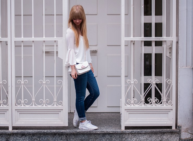 white-statement-bell-sleeve-blouse-it-piece-how-to-wear-blogger-style-duesseldorf-modeblogger-laraira-blog-outfit