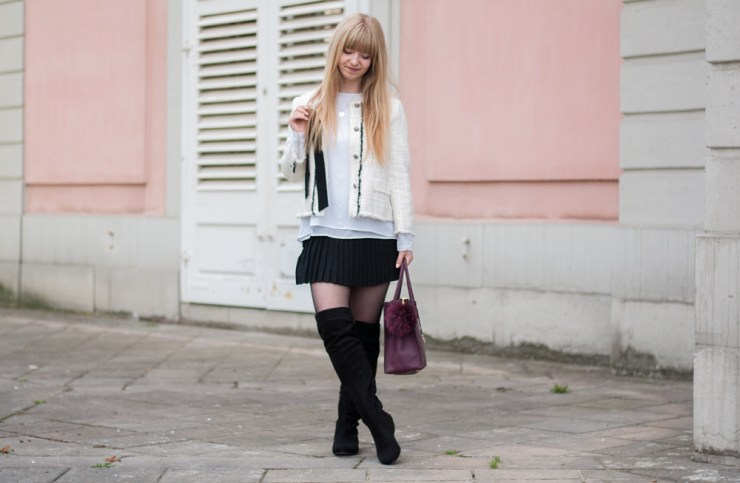 paris-chic-look-black-and-white-outfit-michael-kors-mercer-bag-zara-tweed-jacket-overknees-boots-autumn-outfit-classy-preppy-schloss-benrath-duesseldorf-blogger-outfitinspo-9