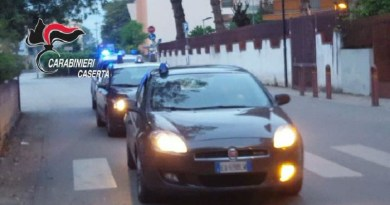 Aversa. Sorpreso a spacciare hashish, arrestato algerino