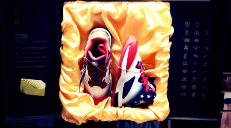 Estos zapatos no se venden, dice JRPetare | Fotos Manuel Alegría