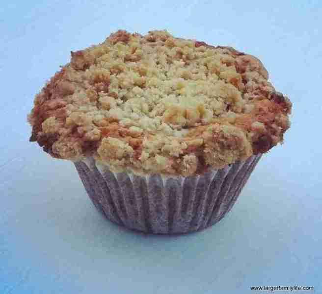 Apple crumble breakfast muffins