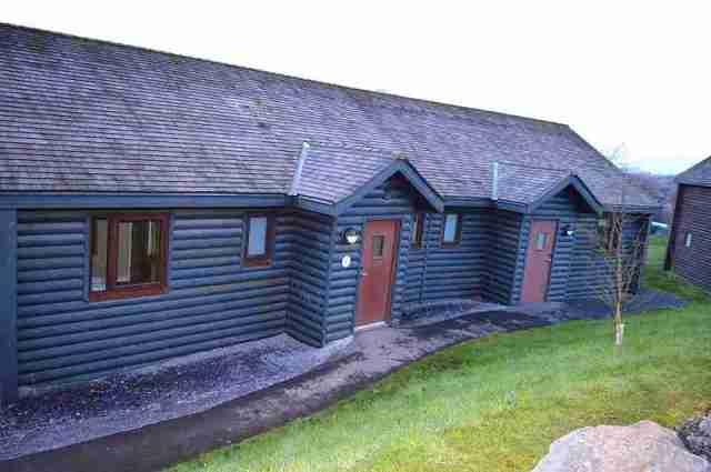 dinahs bunkhouse lodge - Copy
