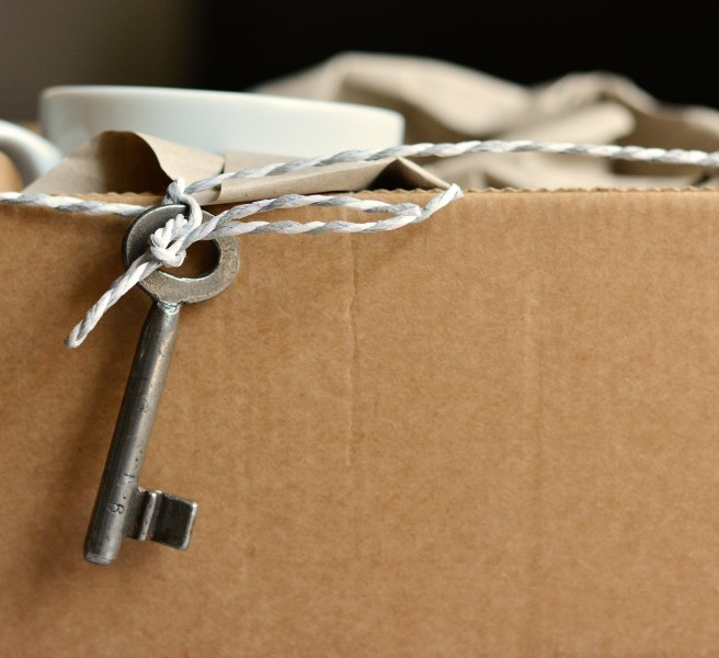 packing box with key