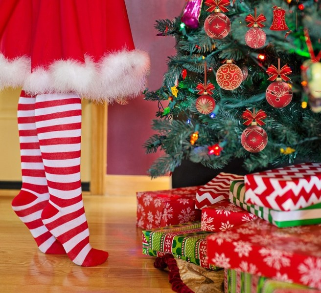 christmas gifts under tree stockings