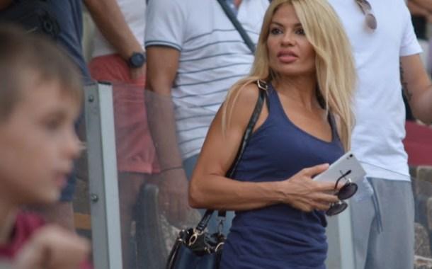 Η γυναικεία «βυσσινί» κερκίδα στο AEL FC ARENA (Φώτο)