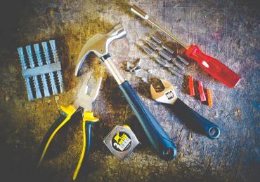 tool-set-on-plank-175039