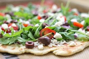 Salad Pizza o pizza ensalada rica y sana