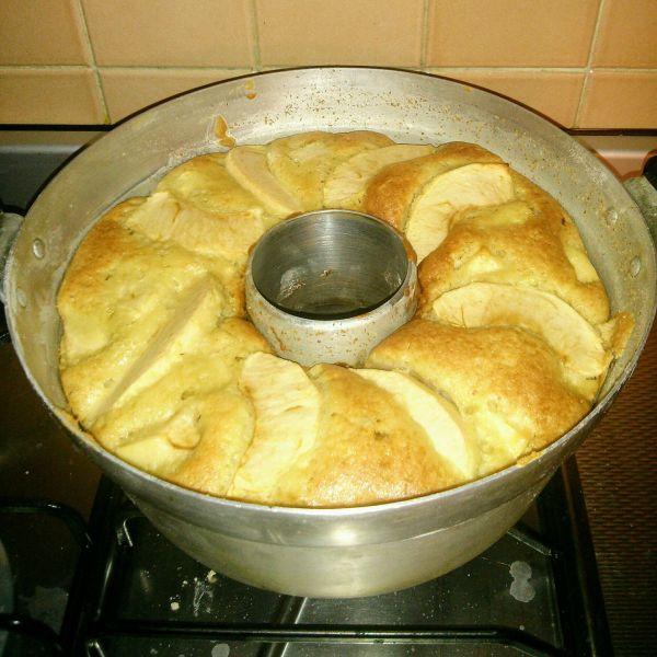 la mia torta di mele cotta nella pentola fornetto