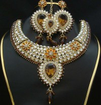 Indian kundan jewelry designs