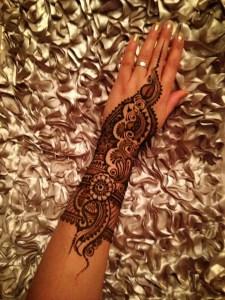 Wrist henna mehndi designs