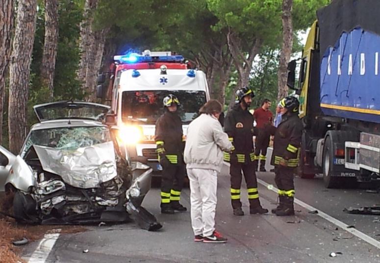 incidente-appia-vigili-fuoco-latina-9592356