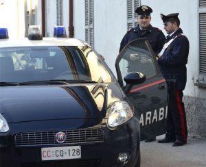 carabinieri-auto-latina